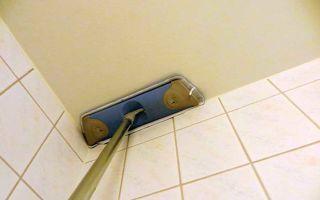 Как мыть натяжной потолок матовый без разводов