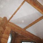 Натяжные потолки в деревянном доме. Преимущества и недостатки