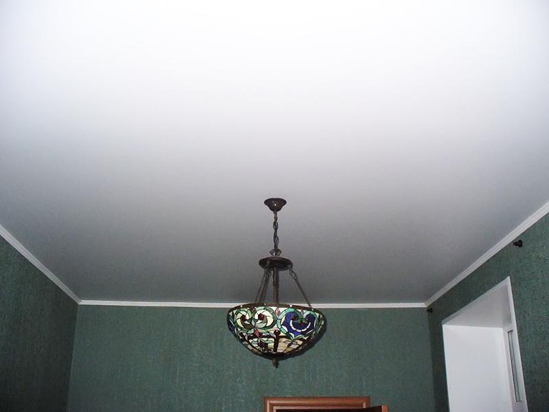 Матовые натяжные потолки ПВХ или Тканевые?